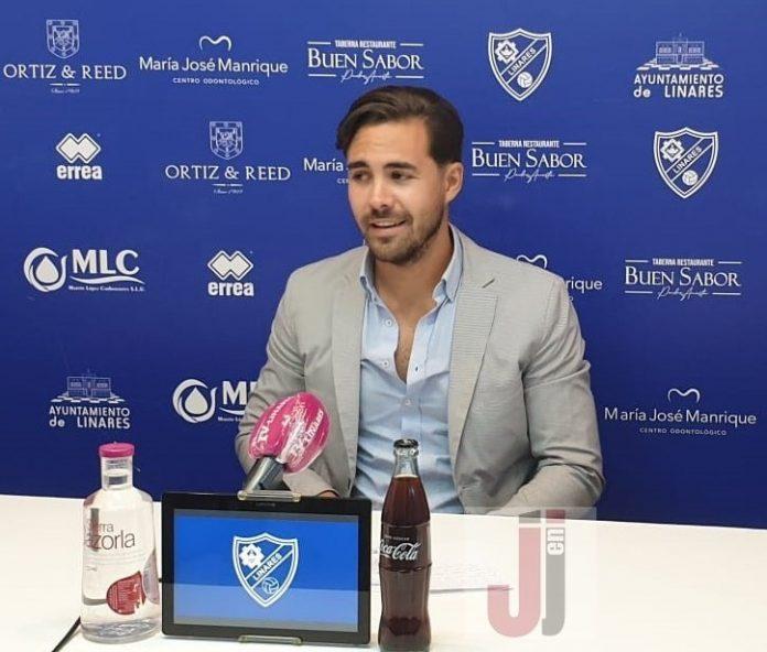 Miguel Linares, director deportivo del Linares Deportivo, analiza la plantilla