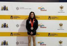 Carmen González con la medalla de plata del Europeo