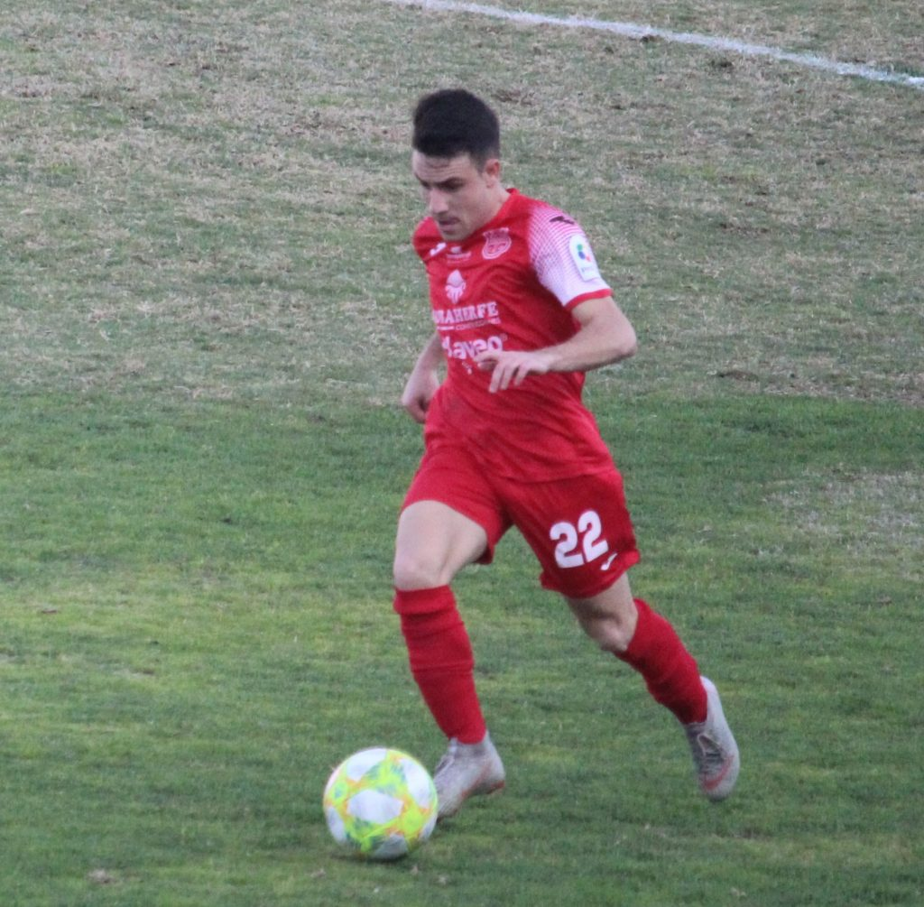 Adri Gómez vuelve al CD Torreperogil